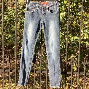 Zanadi jeans.